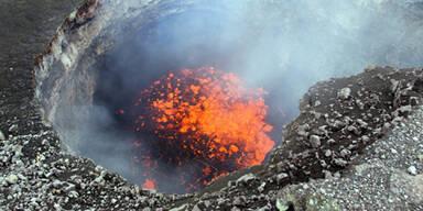 Vulkan auf Sulawesi grummelt