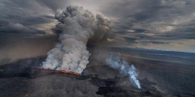 Saurer Regen nach Vulkanausbruch auf Island