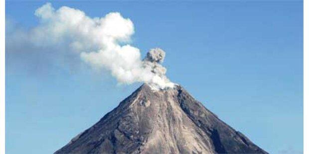 Philippinen - Vulkan zum Leben erwacht