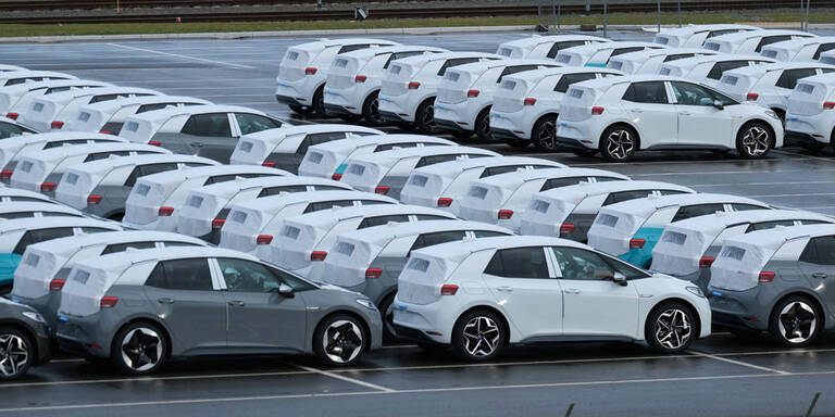 Marktanteil von E-Autos auf Rekordniveau