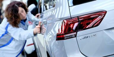 VW, Opel, Fiat, Peugeot, Renault & Co. stoppen Produktion