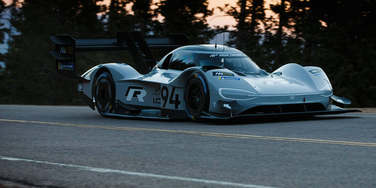VW ID. R beim Ice Race in Zell am See