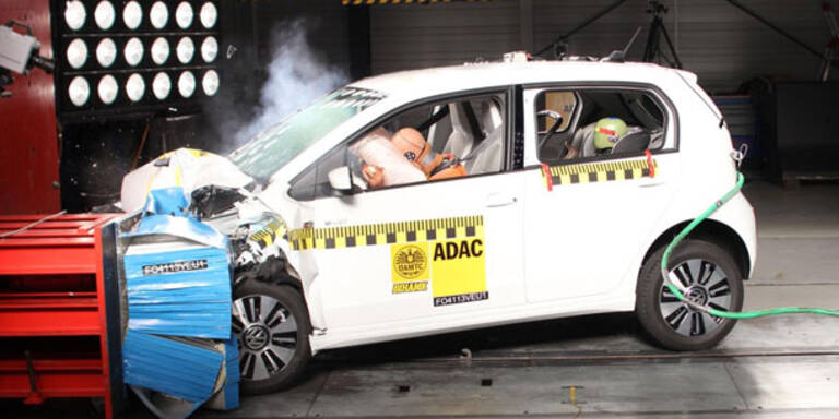 Crashtest: E-Auto genauso sicher wie Benziner