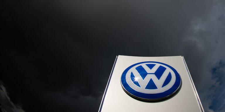 Abgas-Skandal: VW gefangen in der Krise