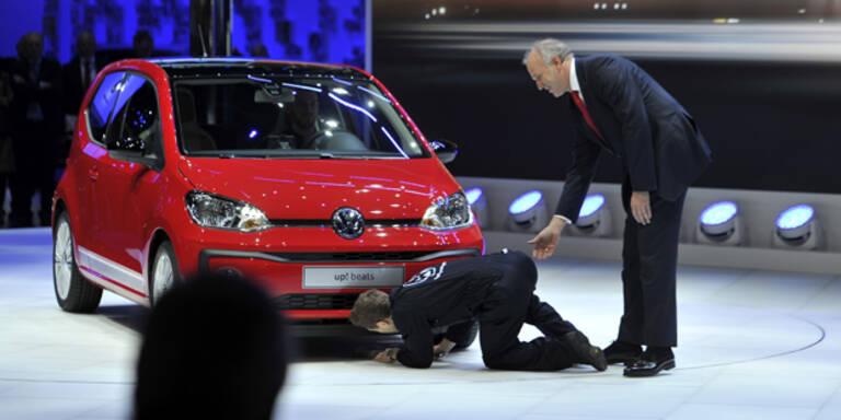 Abgas-Aktivist stürmt VW-Pressekonferenz
