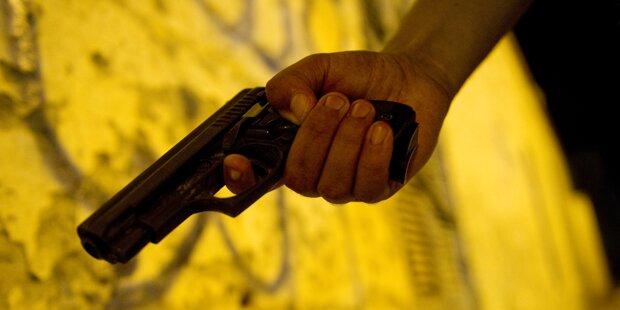 29-Jähriger mit Pistole bedroht und brutal ausgeraubt