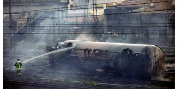 Zugwaggons mit Flüssiggas explodiert