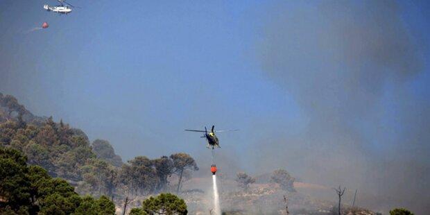 600 Menschen fliehen vor Waldbrand