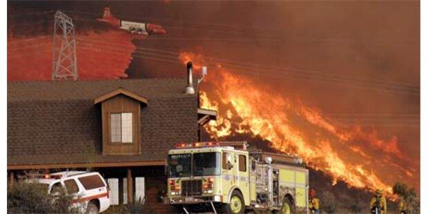 10.000 auf der Flucht vor Waldbränden
