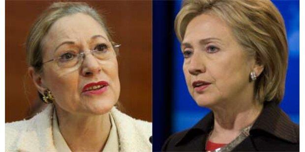 Erstes Treffen zwischen Ferrero-Waldner und Clinton