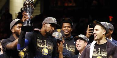 Warriors setzen sich NBA-Krone auf
