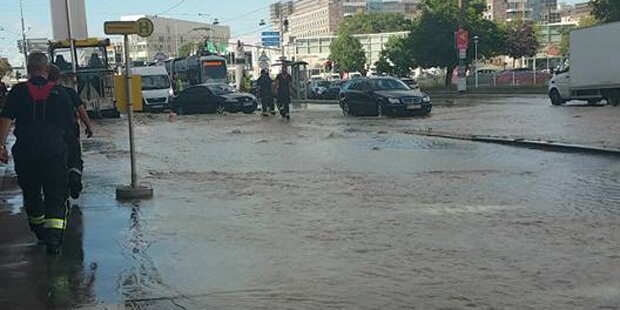 Wasserrohrbruch überflutete Brünner Straße