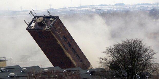 Wasserturm in St. Pölten gesprengt