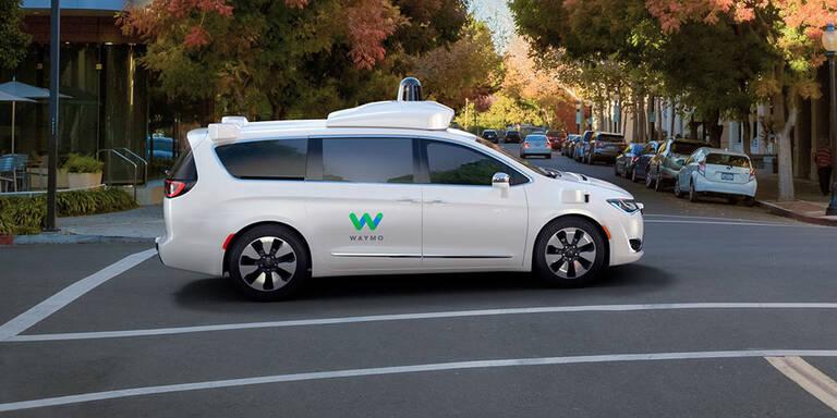 Waymo darf Roboautos ohne Fahrer testen
