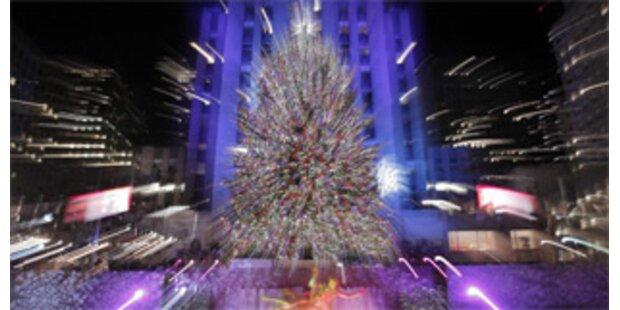 New Yorker Weihnachtsbaum hat 30.000 Lichter