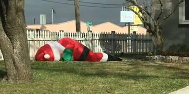 """""""Betrunkener"""" Weihnachtsmann begeistert das Netz"""