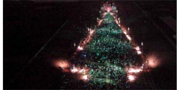 50.000 Taiwaner bildeten menschlichen Weihnachtsbaum