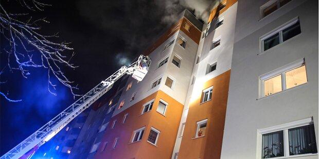 Panik bei Großbrand: 18 Verletzte