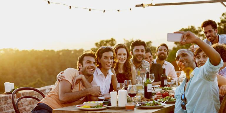 Freizeit und Freunde für Österreicher gleich wichtig wie Beruf?