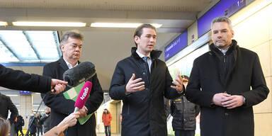 Kurz, Kogler und Nehammer besuchen Polizei am Westbahnhof