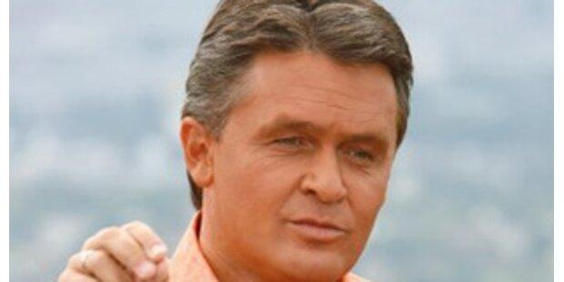 Westenthaler will Kopftuch mit Edelweiß verzieren
