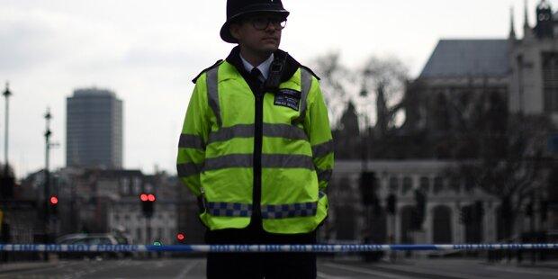 Verdächtiges Paket bei Westminster