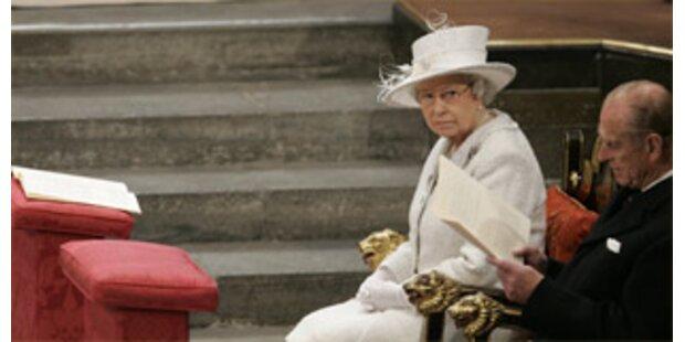 Heizung beschädigt Thron der Queen