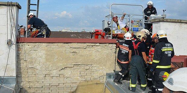 Arbeiter stürzt fünf Etagen in die Tiefe