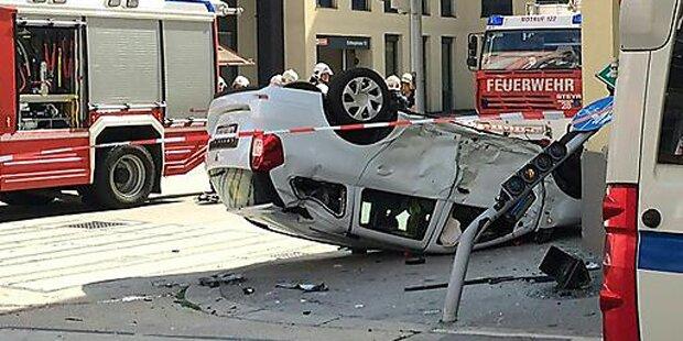 Pkw überschlug sich bei Unfall in Wien