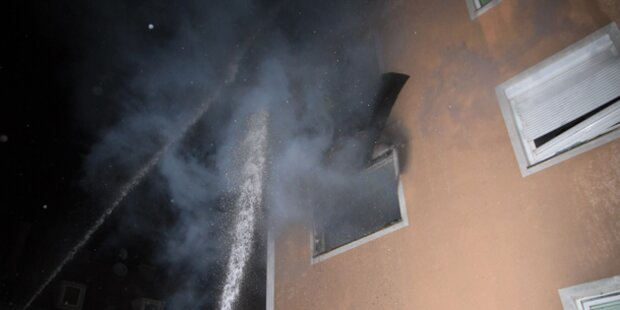 Mehrparteienhaus stand in Flammen