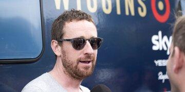 Schwerer Sturz: Irre: Ex-Toursieger verletzt sich in TV-Show