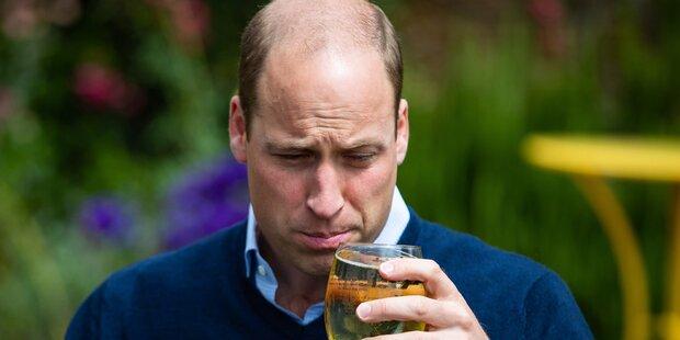 Pubs wieder offen: Prinz William war der Erste mit Bier