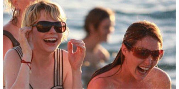 Trauergäste feiern Strandparty