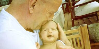 Bruce Willis mit Baby Mabel