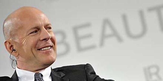 Bruce Willis duschte bis die Feuerwehr kam