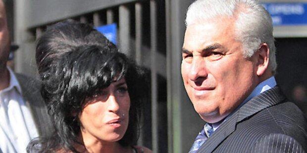 Vater von Amy Winehouse nimmt Platte auf