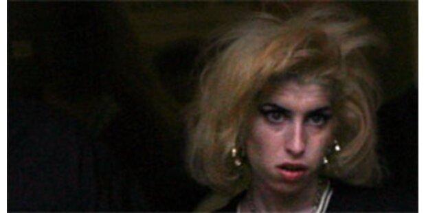Winehouse hängt am Tropf