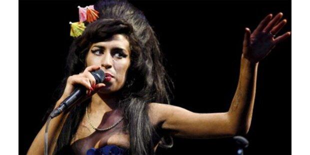 Plattenboss: Amy schafft großartiges Comeback
