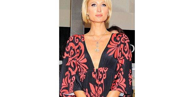 Paris Hilton macht den Kimono salonfähig