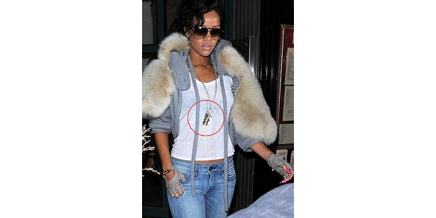 Rihanna ist schwer bewaffnet!