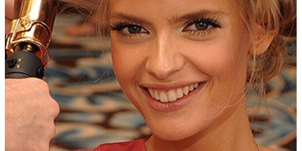 Julia Stegner- das neue Gesicht für Mercedes