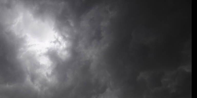 Schwere Stürme lassen Strom ausfallen