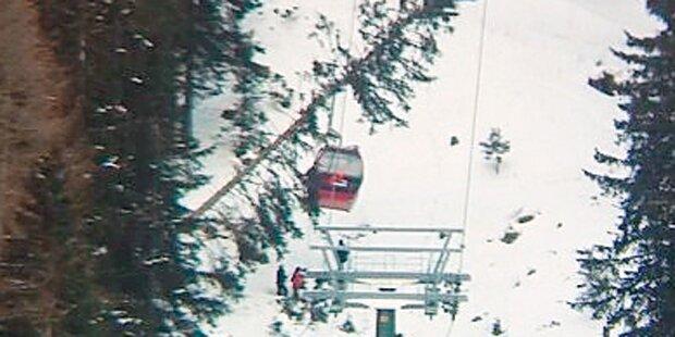 Baum kracht in Seilbahn: 185 Skifahrer gerettet