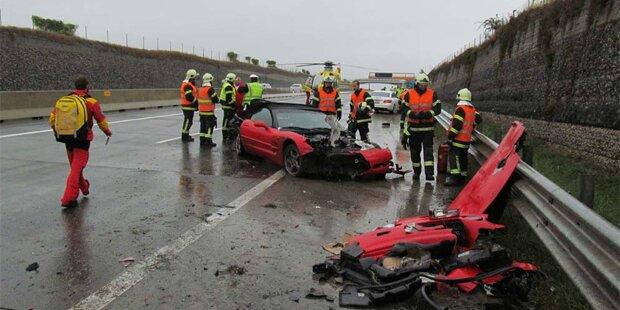 Horror-Crash: Corvette kracht in Leitschiene