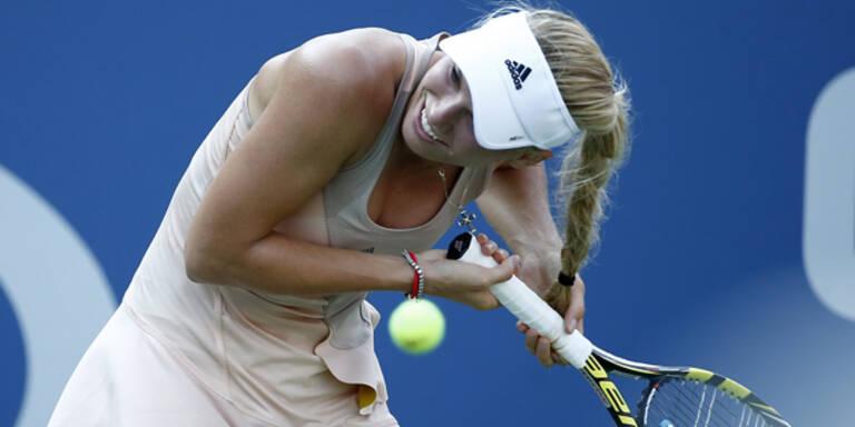Kuriose Haar-Panne von Tennis-Beauty