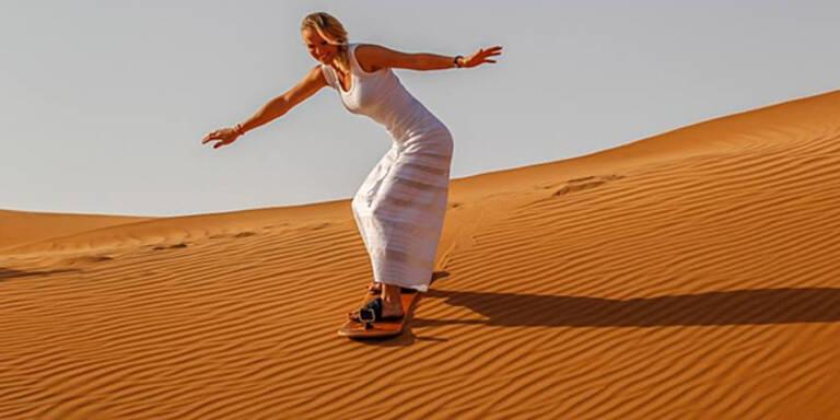 Video: Sexy Tennis-Ass beim Sand-Surfing