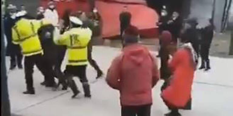 China-Virus: Polizei jagt Menschen aus Wuhan