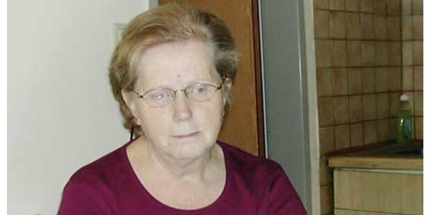 Oma vertrieb Dieb mit dem Brotmesser