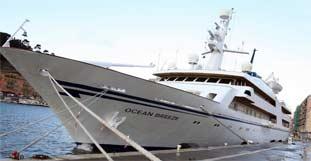 yacht_saddam