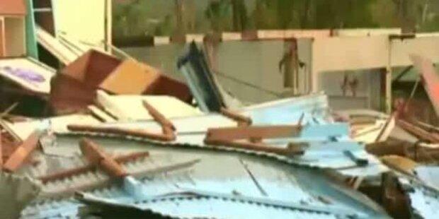 Zyklon Yasi zieht Spur der Verwüstung